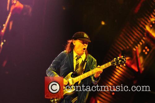 Angus Young 8