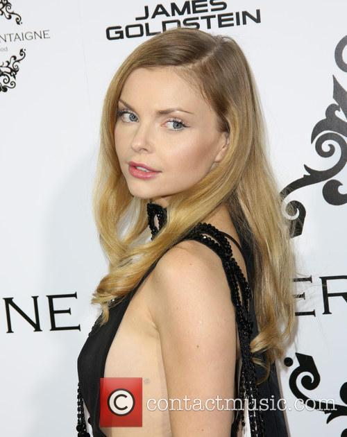 Izabella Miko 8