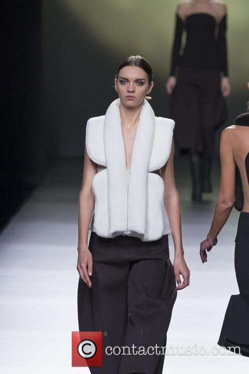London Fashion Week Autumn/Winter 2016 - Amaya Arzuaga...