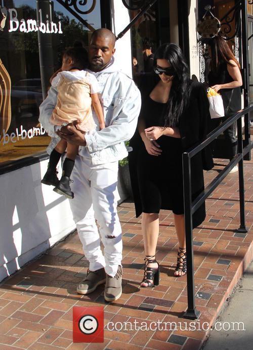 Kim Kardashian, Kanye West and North West 7