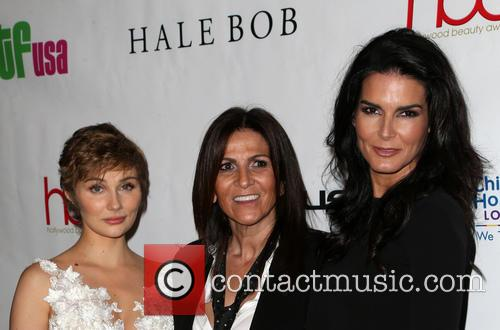 Clare Bowen, Lea Journo and Angie Harmon 3