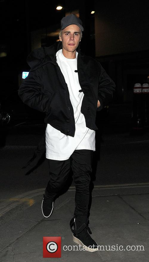 Justin Bieber leaving a pub in North London