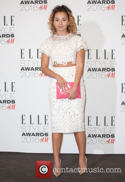Ella Eyre 4