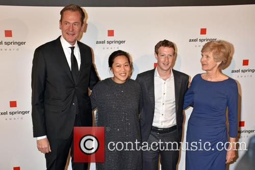 Mathias Doepfner, Priscilla Chan, Mark Zuckerberg and Friede Springer 3