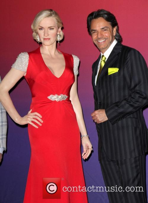 Kate Winslet Wax Figure and Eugenio Derbez 1