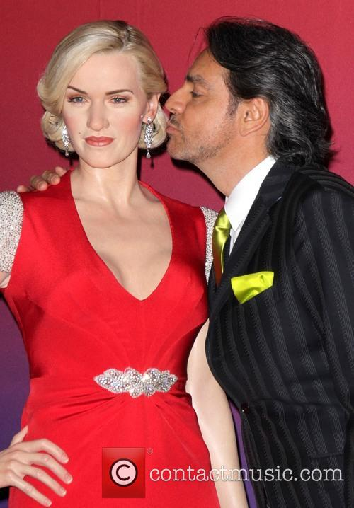 Kate Winslet Wax Figure and Eugenio Derbez 2