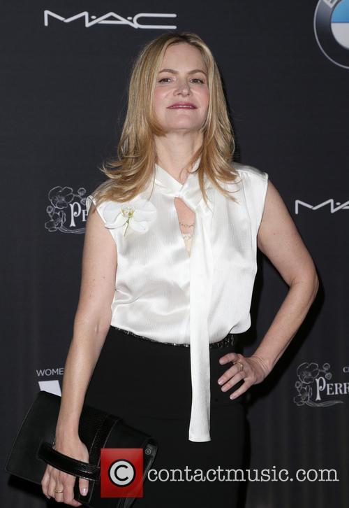 Jennifer Jason Leigh 7