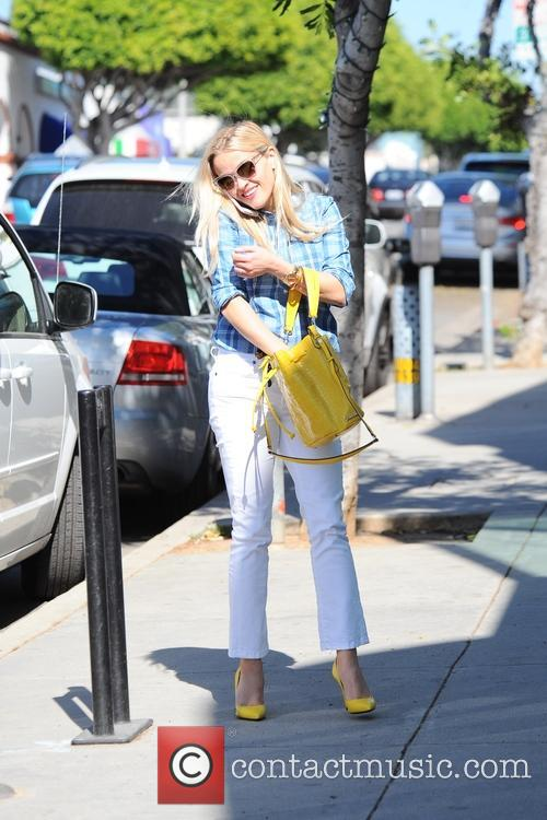 Reese Witherspoon running errands in Santa Monica