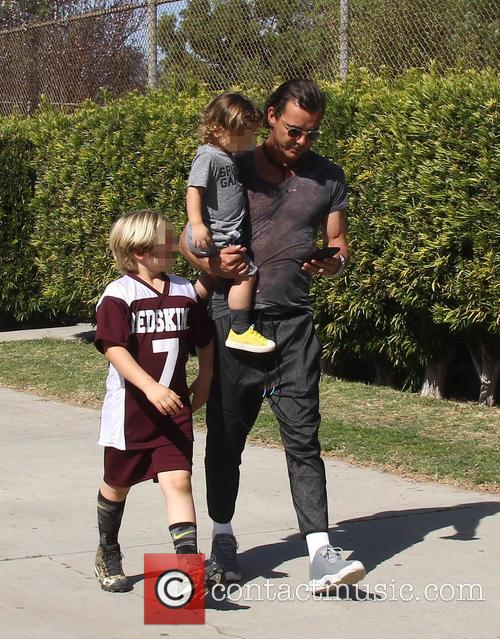 Gavin Rossdale, Apollo Rossdale and Zuma Rossdale 3