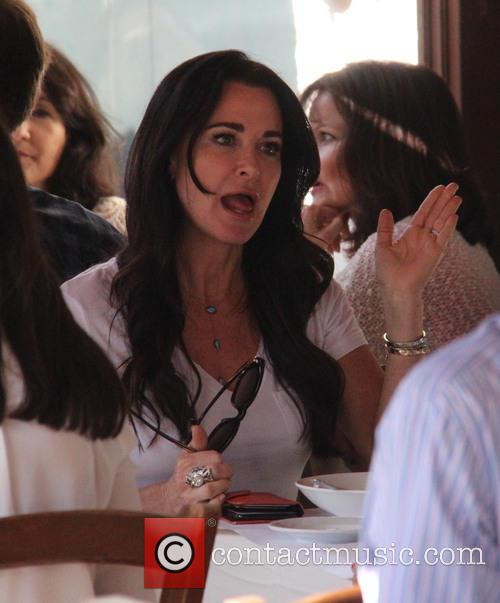 Kyle Richards takes her daughters for lunch at...