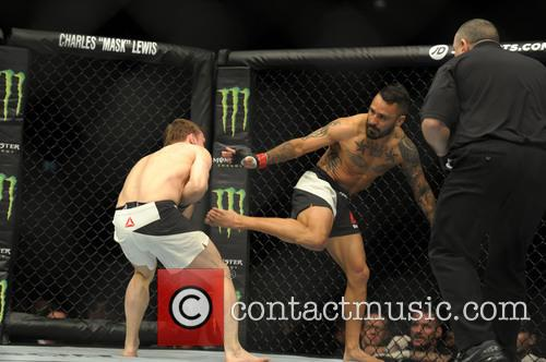 Francisco Rivera and Brad Pickett 4