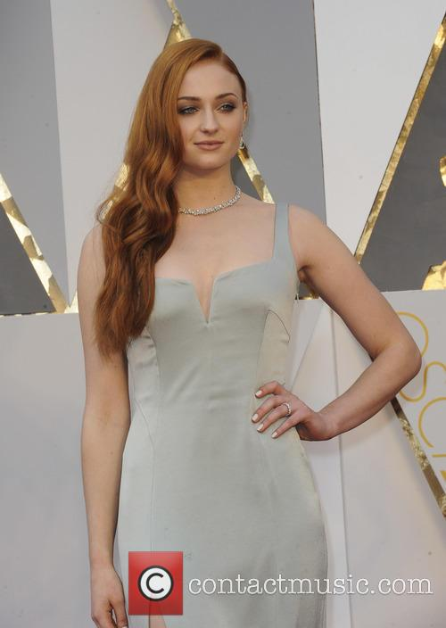 Sophie Turner Drops Major 'Game Of Thrones' Spoiler On Oscars Red Carpet