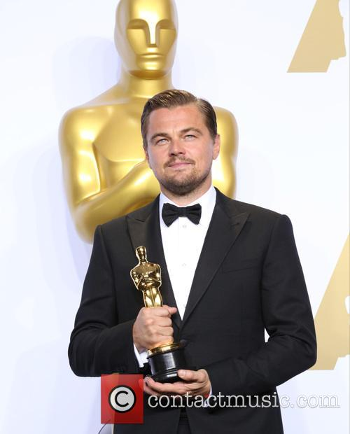 Leonardo Dicaprio Jokes About His First Oscar During The Engraving