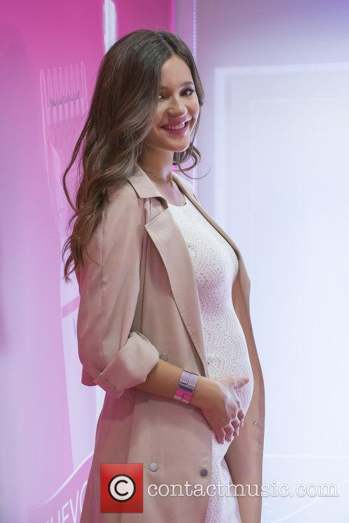 Malena Costa presents Sensitive Precision by Veet