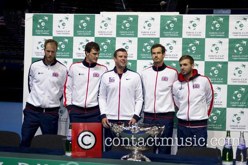 Dominic Inglot, Jamie Murray, Dan Evans, Andy Murray and Leon Smith 5
