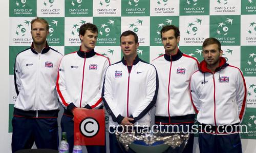 Dominic Inglot, Jamie Murray, Dan Evans, Andy Murray and Leon Smith 6
