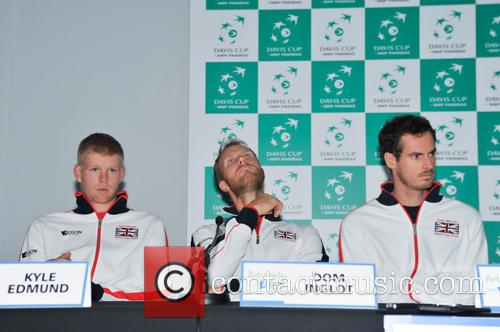Kyle Edmund, Dominic Inglot and Andy Murray 8