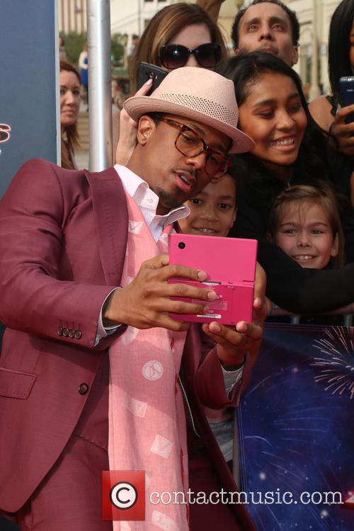 Nick Cannon and Fans 5