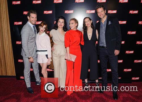 Nico Tortorella, Molly Kate Bernard, Debi Mazar, Hilary Duff, Miriam Shor and Peter Hermann