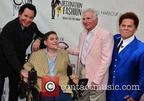 Wayne Newton, Marc A. Buoniconti, Nick Buoniconti and Romero Britto 6
