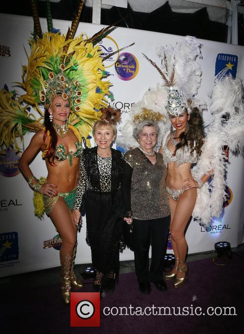 Teresa Dahlquist, Josie Cavaluzzi and Golden Sisters 1