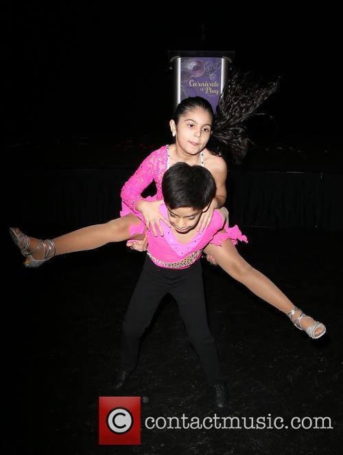 Kevin & Gaby Samba Dancers 10