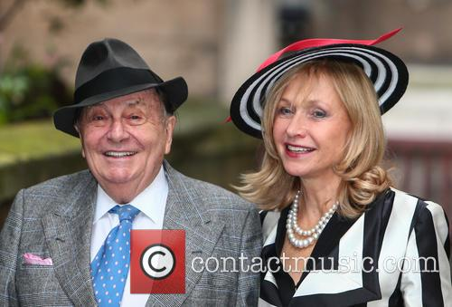 Barry Humphries and Lizzie Spender 4
