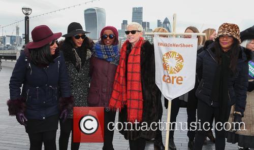 Sister Sledge, Joni Sledge, Debbie Sledge, Kim Sledge and Annie Lennox 1