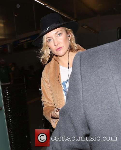 Kate Hudson arrives at Los Angeles International Airport
