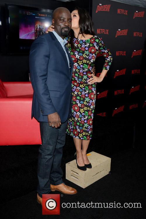 Mike Colter and Rosario Dawson 2