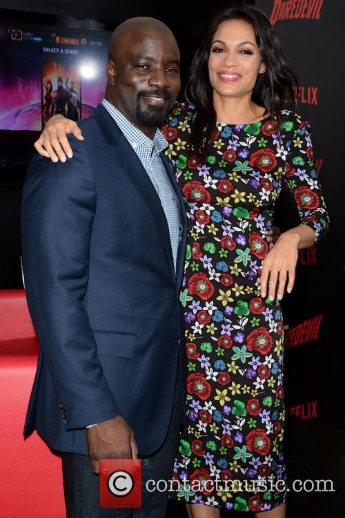 Mike Colter and Rosario Dawson 5