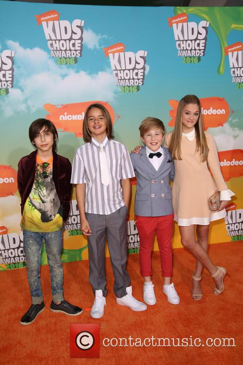 Aidan Gallagher, Mace Coronel, Casey Simpson and Lizzy Greene 3