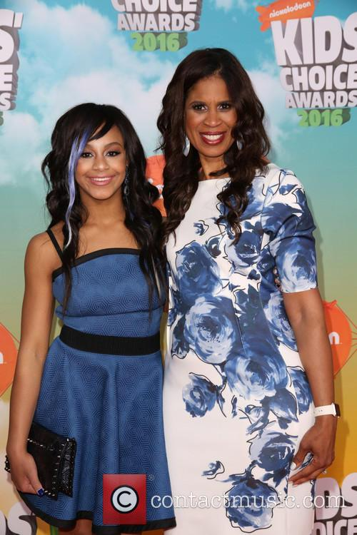 Nia Sioux Frazier and Holly Frazier 4