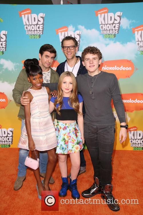 Cooper Barnes, Ella Anderson, Riele Downs, Sean Ryan Fox and Jeffrey Brown 1