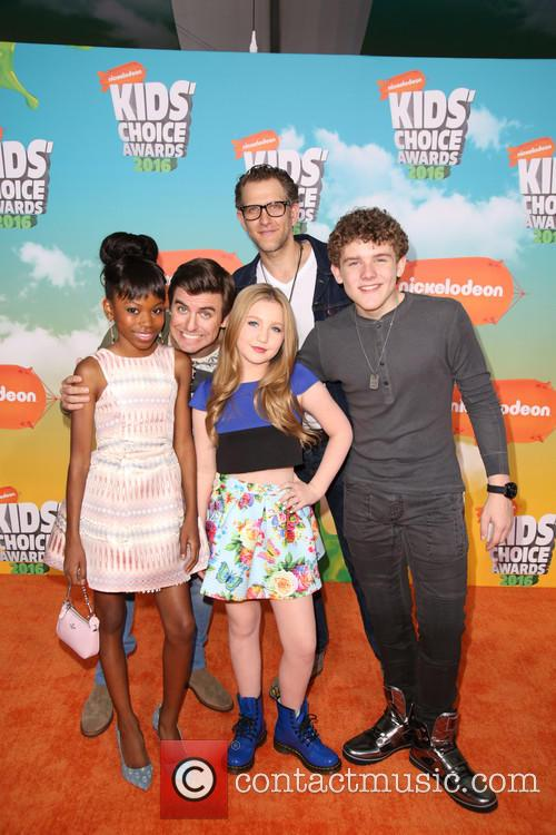 Cooper Barnes, Ella Anderson, Riele Downs, Sean Ryan Fox and Jeffrey Brown 3
