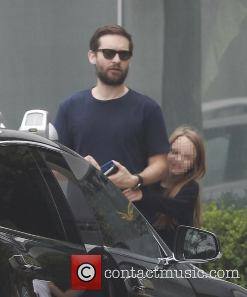 Tobey Maguire and Ruby Maguire 6