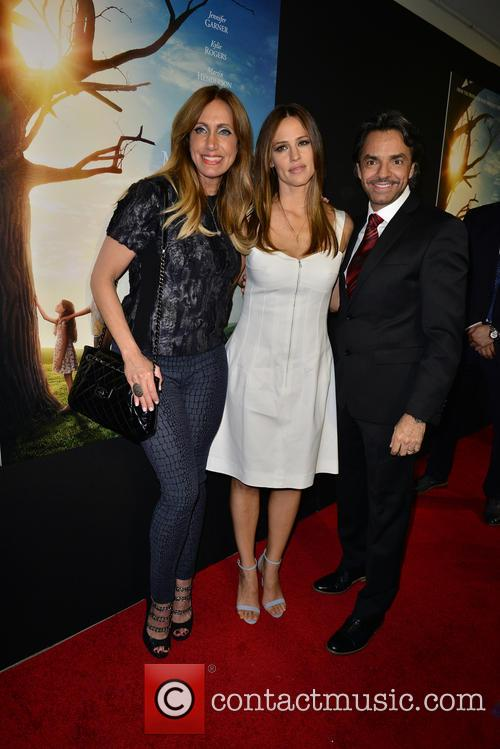 Lili Estefan, Jennifer Garner and Eugenio Derbez 3