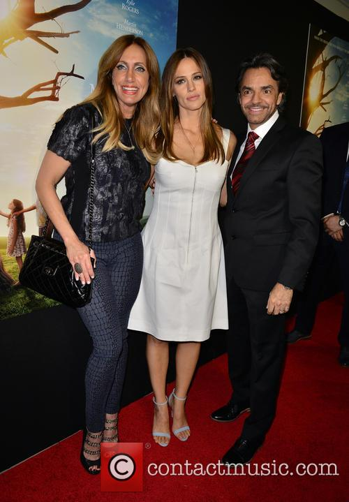 Lili Estefan, Jennifer Garner and Eugenio Derbez 4