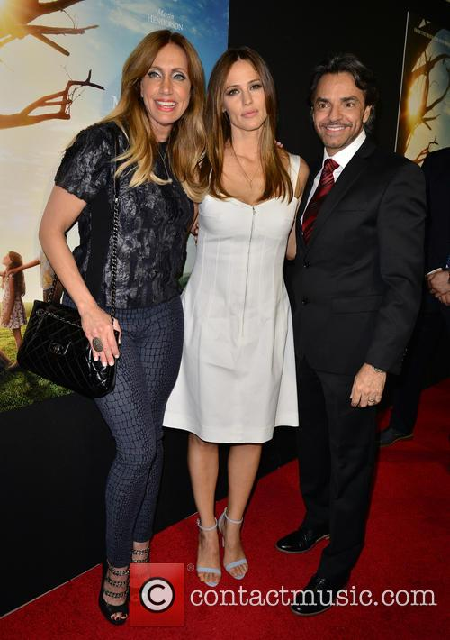 Lili Estefan, Jennifer Garner and Eugenio Derbez 5