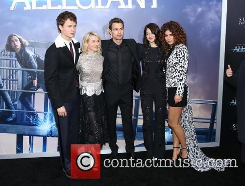 Ansel Elgort, Naomi Watts, Theo James and Shailene Woodley 1