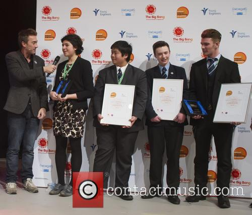 Dallas, Roxanne El-hady Winner Uk Young Scientist Of The Year, Stuart Chau, Ethan Dunbar Baker, Rogan Mcgilp and Winners Uk Young Engineers Of The Year 2016 3