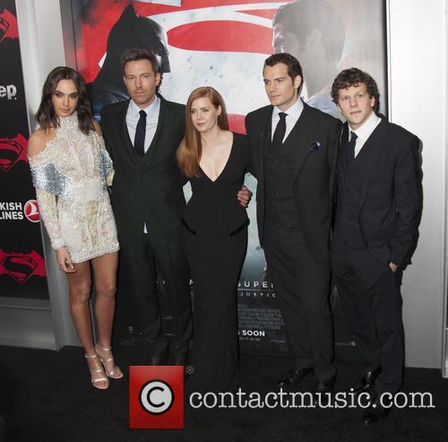 Gal Godot, Ben Affleck, Amy Adams, Henry Cavill and Jesse Eisenberg 1