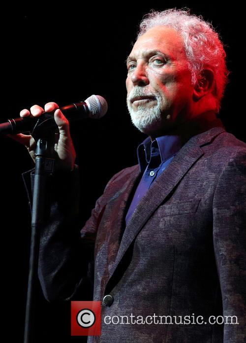 Sir Tom Jones Thanks Fans For Support In Aftermath Of Wife's Death From Cancer