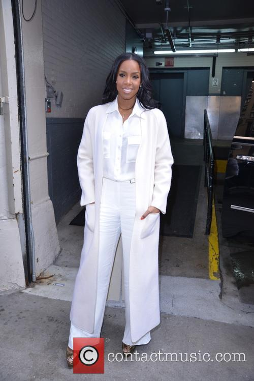 Kelly Rowland appears at AOL build