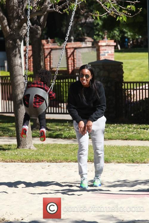 Kelly Rowland and Titan Jewell Witherspoon 5