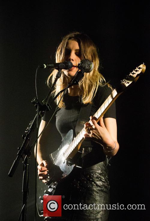 Wolf Alice and Ellie Rowsell 9