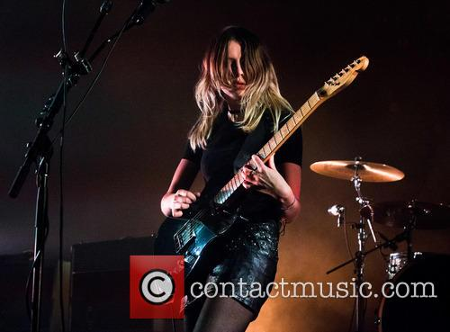 Wolf Alice and Ellie Rowsell 10