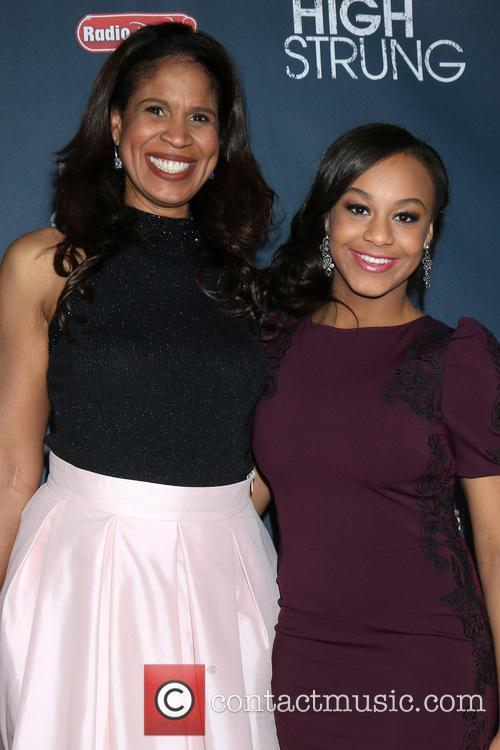 Nia Sioux and And Her Mother On Left 3