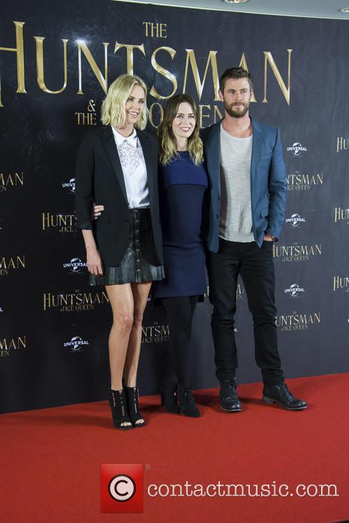 Charlize Theron, Emily Blunt and Chris Hemsworth 3