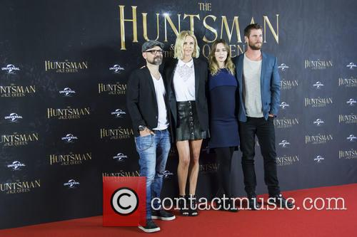 Cedric Nicolas-troyan, Charlize Theron, Emily Blunt and Chris Hemsworth 7